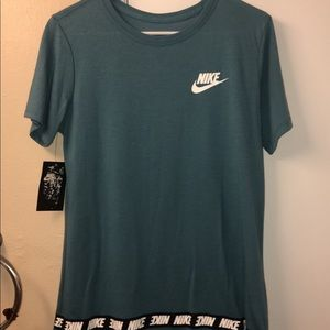 NEW Nike top